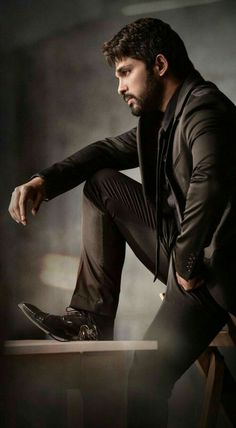 Allu Arjun,hd wallpapers,Allu Arjun movie wallpaper,Allu Arjun mobile wallpapers,Allu Arjun hd stills Actor Picture, Actor Photo, Prabhas Pics, Hd Photos, Film Pictures, Allu Arjun Hairstyle, Dj Movie, Allu Arjun Wallpapers, Allu Arjun Images