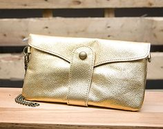 Metallic Gold Snap Clutch with detachable chains for both shoulder and wrist // $34.99 // shopboldthreads.com // #bold #threads #boldthreads #purse #clutch #accessories #fashion #metallic #gold #wristlet