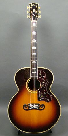 Gibson SJ-200 (1938) : Made in the first year of production. Spruce top, Brazilian Rosewood back & sides.