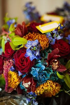 #autumn #bouquet   i like that this has some blue in it