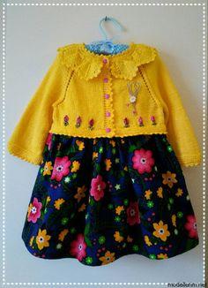 Beige Coat Months I Want It Materia - Diy Crafts - Marecipe Knitting For Kids, Crochet For Kids, Baby Knitting Patterns, Knit Crochet, Knitted Baby, Cute Flower Girl Dresses, Girls Dresses, Knit Baby Dress, Diy Dress