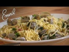 The Emeril Channel invites people to join Chef Emeril Lagasse as he teaches you how to make his signature dishes and so much more. From recipes perfect for t. Clam Recipes, Zoodle Recipes, Seafood Recipes, Cooking Recipes, Clams Recipe White Wine, Linguine And Clams, Emeril Lagasse Recipes, Clam Pasta, Shrimp Pasta Recipes