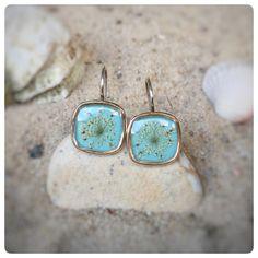 """Ohrhänger - Ohrringe mit """"wilde Möhre"""" Blüten hellblau - ein Designerstück von Kiezelfen bei DaWanda"""