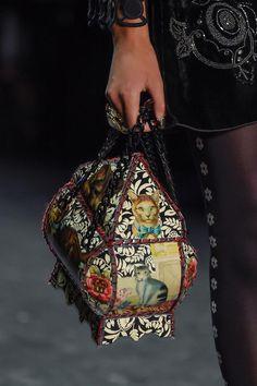 Anna Sui Details A/W '16 #cat # bag