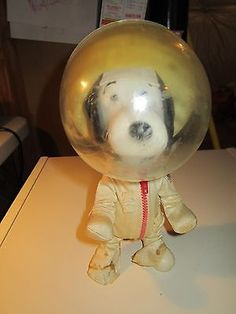 Vintage 1969 Peanuts Snoopy Astronaut First Man On The Moon