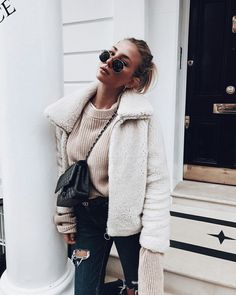 1 online shop for women's accessories! We offer reasonably priced . - What to wear - Modetrends Winter Outfits For Teen Girls, Fall Winter Outfits, Autumn Winter Fashion, Christmas Outfits, Ootd Winter, Christmas Ideas, Fashion Mode, Look Fashion, Womens Fashion
