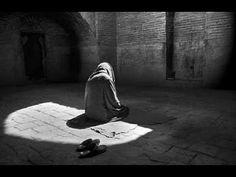 """Mit dem Namen Allahs, des Allerbarmers, des Barmherzigen!  """"""""O mein Sohn, verrichte das Gebet und gebiete Gutes und verbiete Böses und ertrage geduldig, was dich auch treffen mag. Das ist wahrlich eine Stärke in allen Dingen.""""""""  (Sure 31:17 - Luqman)"""