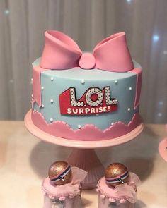 Matcha tea cake and tonka bean - HQ Recipes Doll Birthday Cake, Funny Birthday Cakes, Princess Birthday, Tea Cakes, Cupcake Cakes, Lol Doll Cake, Fig Cake, Surprise Cake, Doll Party