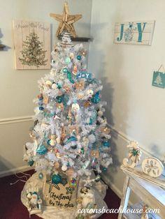 Christmas at the beach Coastal Christmas Decor, Silver Christmas Decorations, Nautical Christmas, Beach Christmas, Christmas Tree Themes, Holiday Tree, Xmas Tree, White Christmas, Christmas Ideas