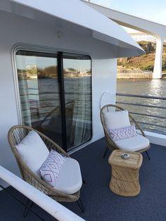 Navio Amália Rodrigues - CroisiEurope © Viaje Comigo Douro, Outdoor Furniture, Outdoor Decor, Sun Lounger, City, Home Decor, Ship, Places To Visit, Chaise Longue