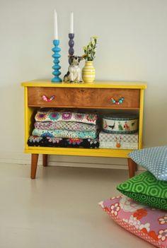 20 ideas para pintar muebles de madera antiguos a todo color 2