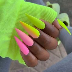 Want some ideas for wedding nail polish designs? This article is a collection of our favorite nail polish designs for your special day. Green Nail Designs, Nail Polish Designs, Stiletto Nail Designs, Stiletto Nail Art, Coffin Nail, Nail Nail, Summer Acrylic Nails, Best Acrylic Nails, Neon Green Nails