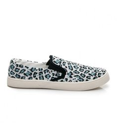 Vans Classic Slip On, Sneakers, Shoes, Fashion, Tennis, Moda, Slippers, Zapatos, Shoes Outlet