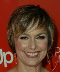 Melora Hardin Short Straight Formal Pixie Hairstyle with Razor Cut Bangs - Light Golden Brunette Hair Color with Dark Blonde Highlights - Lobfrisuren Golden Brunette, Light Brunette, Brunette Hair, Brunette Color, Golden Hair, All Hairstyles, Face Shape Hairstyles, Straight Hairstyles, Dark Blonde Highlights