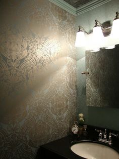 wallpaper ...gorgeously gold!
