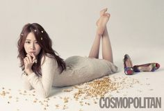 Yoo In Na becomes a 'popping girl' for 'Cosmopolitan'
