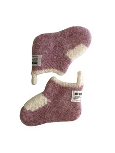 Baby wool bootties Ultra comfortable that will keep the little feet warm and cosy at any time and any place.