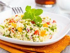 poivre, citron, curcuma, semoule, tomate, huile d'olive, raisins secs, sel, cannelle, orange, menthe, carotte, poivron