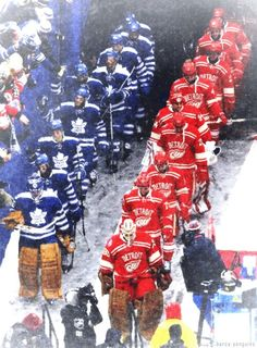 Team intro to the Winter Classic Detroit Red Wings, Toronto Maple Leafs. Hot Hockey Players, Hockey Goalie, Hockey Mom, Hockey Teams, Ice Hockey, Hockey Girls, Goalie Pads, Hockey Sport, Kings Hockey