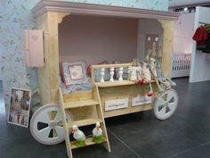 1000 images about d co chambre cirque on pinterest cool kids beds bebe an - Lit roulotte vintage ...