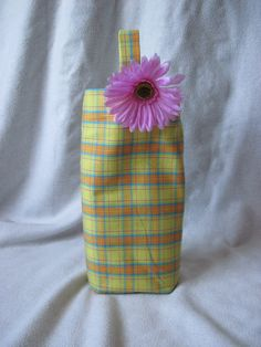 Adapt to make a bag for Chase! Sewing Ideas, Sewing Projects, Projects To Try, Wine Bottle Tags, Wine Bags, Sewing Material, Sewing Techniques, Bag Making, Bloom