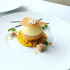 Tropical dessert @thepapilion @huizevanwely #magazine #mango #coconut #almond #ruhm  #artofplating #dessert #pastrychef  #pastry