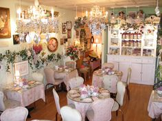 English Rose Tea Room: enjoy an authentic afternoon tea time
