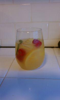 Easy White Sangria Recipe!