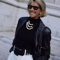 Margarita Argüelles (@margapau) • fotos e vídeos do Instagram Pearl Necklace Outfit, Classy Outfits, Casual Outfits, Aging Gracefully, Fashion Over 50, Get Dressed, Dressing, Instagram, Photo And Video