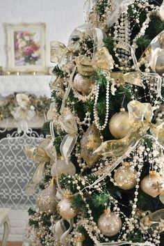 If you're looking for Christmas tree garland inspirations, you're at the right place. We've rounded up Christmas tree garland decoration ideas below Lace Christmas Tree, Victorian Christmas Tree, Plastic Christmas Tree, Silver Christmas Decorations, Beautiful Christmas Trees, Green Christmas, Christmas Time, Vintage Christmas, Christmas Mantles