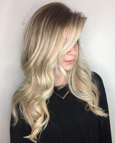40 Beautiful Blonde Balayage Looks - Long Layered Blonde Balayage Hair - Balayage Hair Blonde Medium, Balayage Hair Caramel, Honey Blonde Hair, Hair Color Balayage, Blonde Highlights, Blonde Roots, Blonde Waves, Dark Blonde, Peinados Pin Up