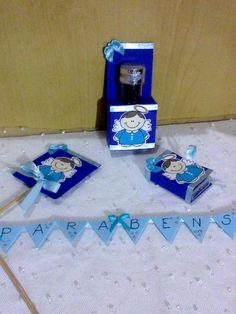 kit nascimento/batizado/aniversario contendo: <br>10un tic-tac <br>10un capa de pirulito com pirulito psicodélico <br>10un porta-tubetes com tubetes <br>01un bandeirola topo de bolo
