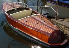 Another wood boat classic. great lines. Wooden Speed Boats, Wood Boats, Luxury Automotive, Runabout Boat, Classic Wooden Boats, Wooden Ship, Making Waves, Power Boats, The Great Outdoors
