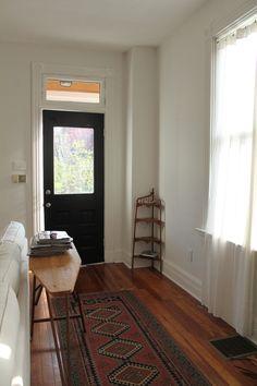 tarafirma:    froglevelfarm:    vintage ironing board as a sofa table    hey, i live here.