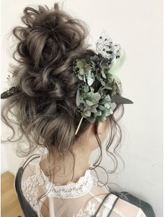 weddinghair 華やかお団子 Natural Wedding Hairstyles, Bride Hairstyles, Cool Hairstyles, Hair Colour Design, Curly Hair Styles, Natural Hair Styles, Bridal Hairdo, Boho Wedding Hair, Hair Arrange