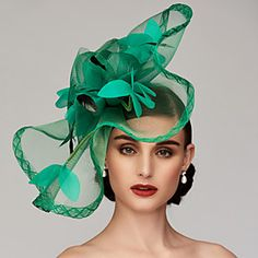 Feather / Net Kentucky Derby Hat / Fascinators / Headpiece with Feather / Floral / Flower Wedding / Special Occasion Headpiece Tea Party Outfits, Tea Party Hats, Pamela, Kentucky Derby Hats, Fancy Hats, Wedding Hats, Wedding Veils, Fascinator Hats, Fascinators