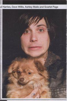 frank iero with his doggo
