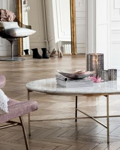 HM home round marble coffee table Marble Round Coffee Table, Home Decor Inspiration, Interior Design, House Interior, Home, Interior, Chic Home Decor, Coffee Table, Home Decor