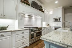 #ShaddockHomesTX #Kitchen #KitchenDesign #Backsplash