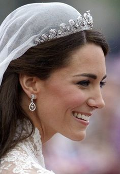 For decades no one saw the Cartier Halo tiara until the Duchess of Cambridge wore it for her wedding in 2011. Princess Kate, Princess Margaret, Princess Katherine, Princess Beatrice, Princesa Kate Middleton, Royal Tiaras, Royal Jewels, Royal Crowns, Crown Jewels