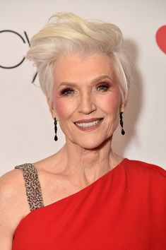 Maye Musk Fauxhawk - Maye Musk looked hip with her fauxhawk at the Go Red for Women 2018.