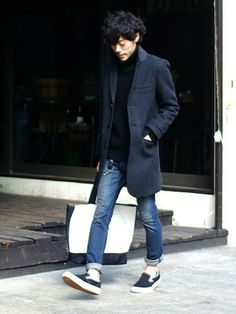 ネイビーワントーンのコート …