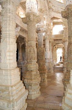 Fotografía: Juan José Cid - Templo de Adinath, Ranakpur NK Jaipur, Udaipur India, Taj Mahal, Crystal Gallery, Varanasi, Nepal, Palace, Beautiful Places, Landscapes