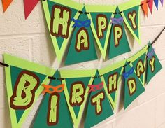 These are really awesome ways to decorate the venue. Very easy and are possible as homemade decorations. Teenage Mutant Ninja Turtles Birthday Banner