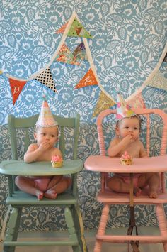 Love the high chair colors - now I am going to paint Sofia's vintage high chair a pastel yellow!