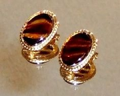 535~Vintage Gold Tone Brown Striped Molded Lucite Clip Earrings**