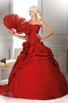 red wedding dress 2012 - Louisiane Harve Lady in Red Red Wedding Dresses, Wedding Gowns, Red Gowns, Herve, Red Fashion, Beautiful Gowns, The Dress, Dress Collection, Pretty Dresses