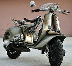 Iron Horse Vespa by Pulsar Project. If I were to get a Vespa, I wold do the same. Piaggio Vespa, Lambretta Scooter, Vespa Scooters, Vespa Motorbike, Motos Vespa, Steampunk, Vespa Vintage, Custom Vespa, Classic Vespa
