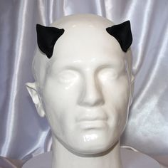 You can also use latex care products on the black latex to give it a shiny finish. Latex Allergy, Latex Costumes, Out Of Shape, Hand Cast, Larp, Cat Ears, Makeup Yourself, Fancy Dress, Cosplay
