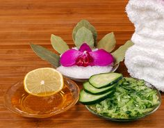 Gurkenmaske selber machen - mit nur 3 Zutaten - belebt und erfrischt die Haut. www.ihr-wellness-magazin.de